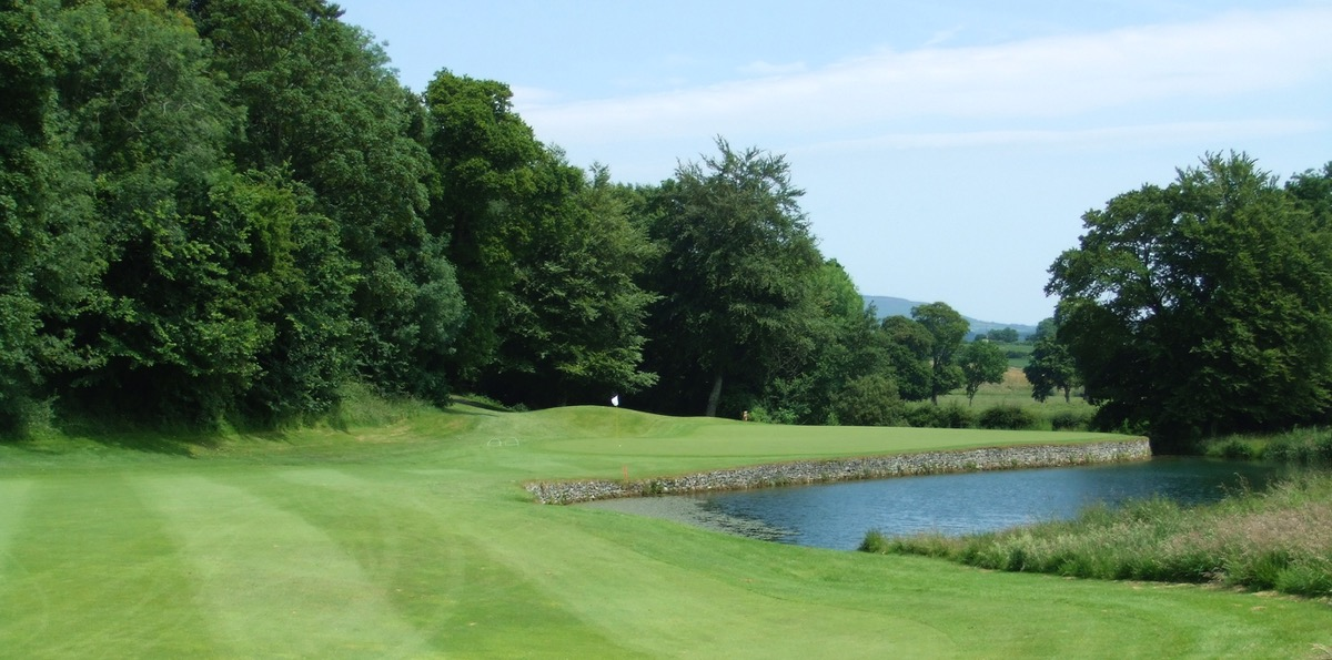 Mount Juliet: approach to the 4th green